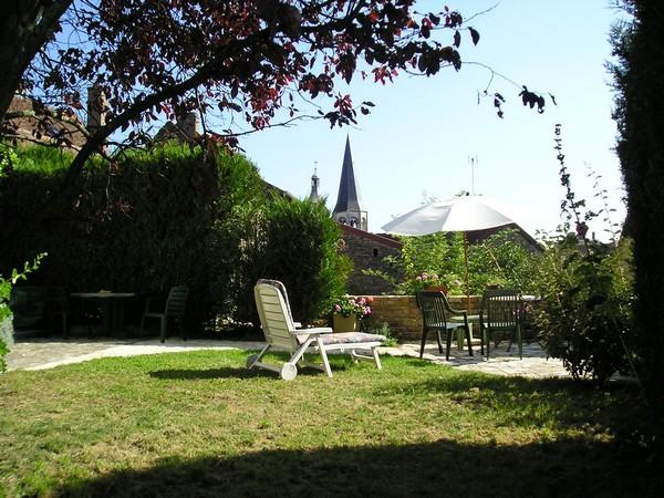 Vakantiehuis fleury in de bourgogne huis en tuin for Huis in de tuin